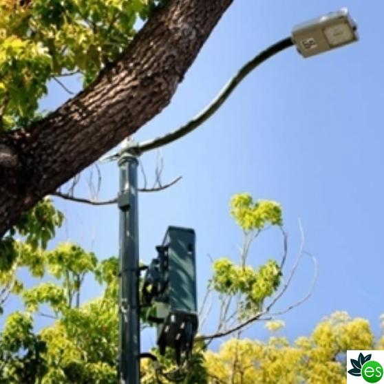 5G Antenna on lamp post