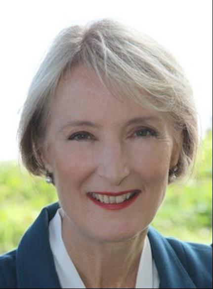 Lyn McLean headshot