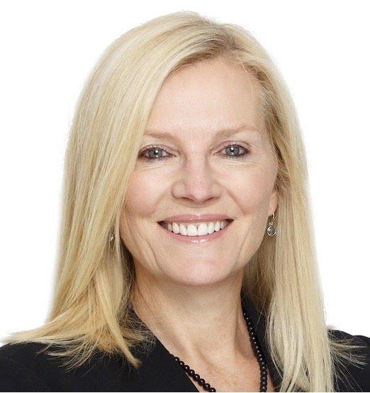 Carolyn Ledowsky headshot
