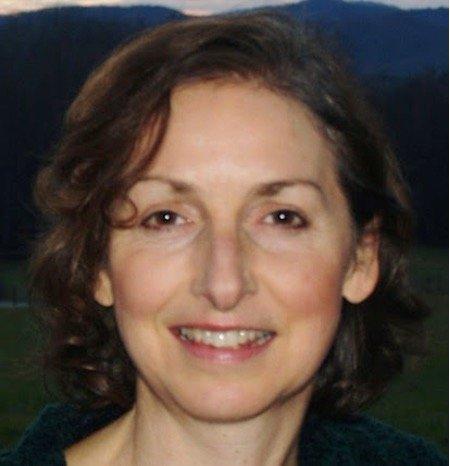 Mary Anne Tierney Headshot